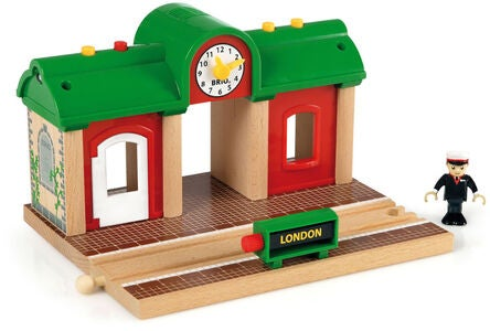 BRIO World 33578 Togstation Med Optagefunktion