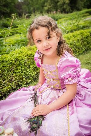 1b5c7cea57bb Køb Den Goda Fen Udklædning Prinsessekjole Rapunzel